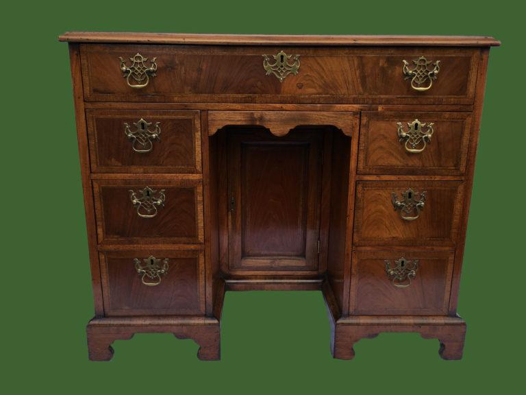 C18th Kneehole Desk